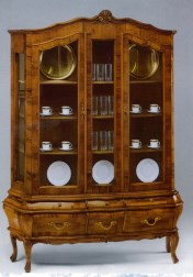 Faber klasika Kolekcijos | Baldų kolekcijos art 027 Vitrina