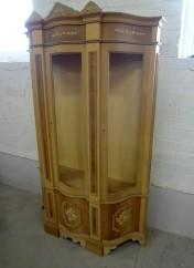 Faber klasika Kolekcijos | Baldų kolekcijos B105 Vitrina 120x42x197