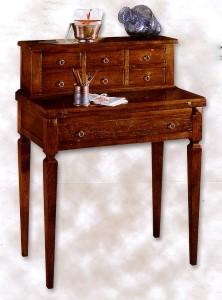 Klasikiniai svetaines baldai art 1547/A Rašomasis stalas