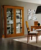 Klasikiniai svetaines baldai Vitrinos art 2012 Vitrina