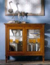 Klasikiniai svetaines baldai Vitrinos art 800 Vitrina