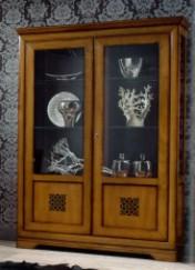 Klasikiniai svetaines baldai Vitrinos art 002/T Vitrina