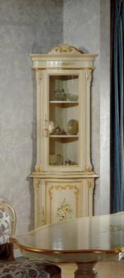 Klasikiniai svetaines baldai Vitrinos art 1621 Vitrina kampinė