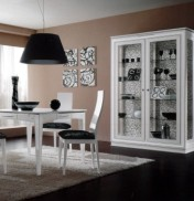 Klasikiniai svetaines baldai Vitrinos art 2005/P Vitrina