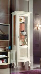 Klasikiniai svetaines baldai Vitrinos art H5001DX Vitrina