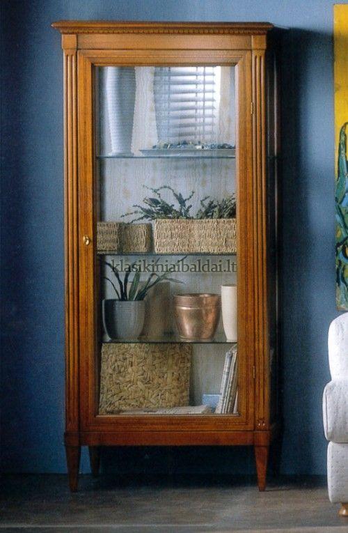Klasikinio stiliaus baldai art 601 Vitrina