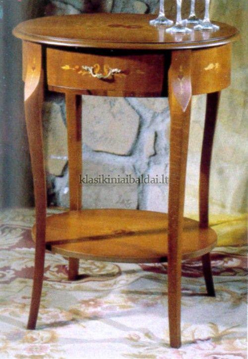 Klasikinio stiliaus interjeras art 127 Staliukas