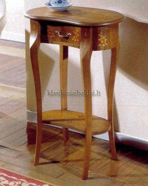 Klasikinio stiliaus interjeras art 161 Staliukas