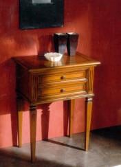 Klasikinio stiliaus interjeras Glamour art 824 Staliukas