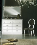 Klasikinio stiliaus interjeras Komodos art 2108 Komoda