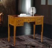 Klasikinio stiliaus interjeras Rašomieji stalai art H051 Rašomasis stalas