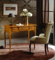 Klasikinio stiliaus interjeras Rašomieji stalai art H056 Rašomasis stalas