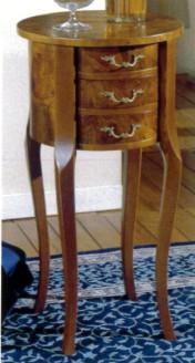 Klasikiniu baldu gamyba Batų dėžės art 137 Staliukas