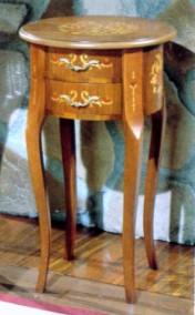 Klasikiniu baldu gamyba Batų dėžės art 146 Staliukas
