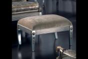Sendinti klasikiniai baldai Seven Sedie art 0150O Pufas